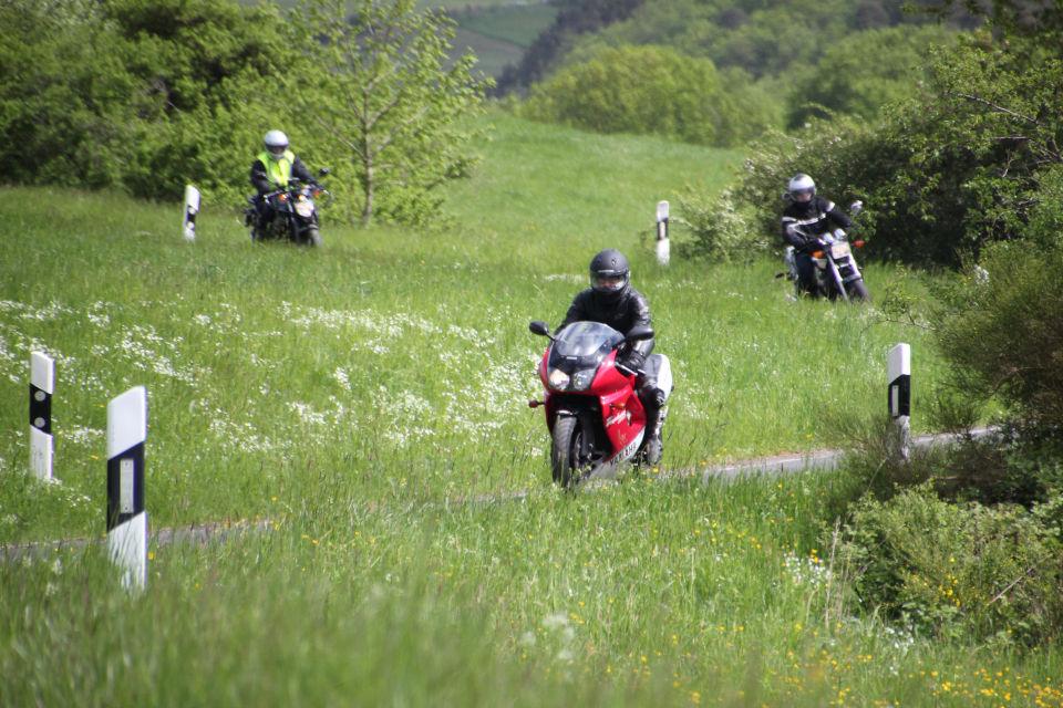 Motorrijbewijspoint Hoogvliet motor rijopleidingen